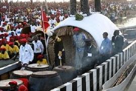 Kuomboka ceremony--arrival